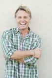Hombre maduro de risa feliz Imagen de archivo libre de regalías