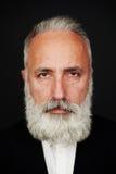 Hombre mayor barbudo en desgaste formal Fotos de archivo libres de regalías