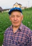 Hombre mayor en casquillo Imágenes de archivo libres de regalías