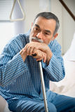 Hombre mayor en hospital Imagen de archivo libre de regalías