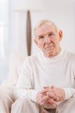 Hombre mayor pensativo Fotos de archivo libres de regalías