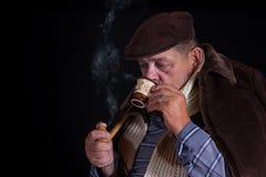 Hombre mayor que es enfriado al hueso Fotografía de archivo libre de regalías