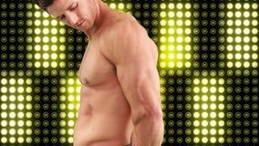 Hombre muscular descubierto metrajes