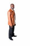 Hombre negro hermoso con la chaqueta de cuero aislada Imagen de archivo libre de regalías