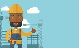 Hombre negro que se coloca delante de la grúa de construcción stock de ilustración