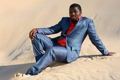 Hombre negro relajante Imagen de archivo libre de regalías