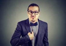 Hombre ofendido que señala en sí mismo Fotografía de archivo