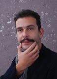 Hombre orgulloso con los bigotes Imágenes de archivo libres de regalías