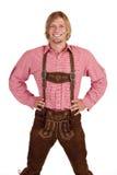 Hombre orgulloso feliz con los pantalones de cuero más oktoberfest Foto de archivo
