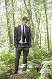 Hombre perdido en bosque Fotografía de archivo libre de regalías