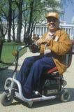Hombre perjudicado, desafiado que sonríe en la cámara, Washington, D C fotos de archivo