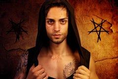 Hombre poseído por un demonio Imagenes de archivo