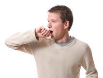 Hombre que bosteza Foto de archivo libre de regalías