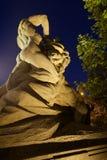 Hombre que derrota el león Foto de archivo libre de regalías