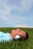 Hombre que disfruta de música Imagen de archivo