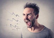 Hombre que grita hacia fuera ruidosamente Foto de archivo libre de regalías