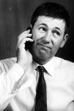 Hombre que habla en móvil fotografía de archivo