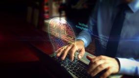 Hombre que mecanografía en el teclado con el holograma del símbolo de la alarma de seguridad metrajes