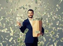 Hombre que muestra el dinero Imagen de archivo libre de regalías