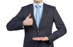 Hombre que muestra el pulgar para arriba Fotos de archivo