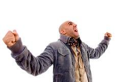 Hombre que muestra felicidad y que desgasta la ropa del invierno Imágenes de archivo libres de regalías