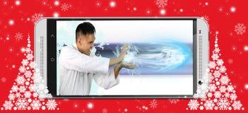 Hombre que muestra la velocidad de 4G Imagen de archivo libre de regalías