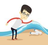 Hombre que muestra las botellas plásticas debajo de onda del mar ilustración del vector