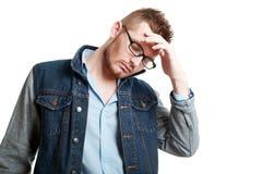 Hombre que piensa en problemas Foto de archivo