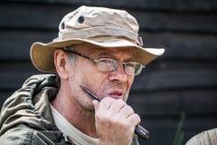 Hombre que tiene un afeitado Imagen de archivo