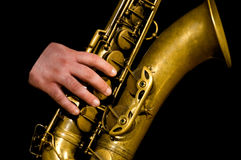 Hombre que toca el saxofón fotografía de archivo libre de regalías