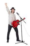 Hombre que toca la guitarra y canto aislado Imágenes de archivo libres de regalías