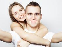 Hombre que toma un selfie con su novia Foto de archivo libre de regalías