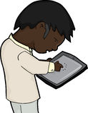 Hombre que usa la tablilla Imagen de archivo