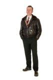 Hombre retro de los años 50 en la chaqueta de bombardero de cuero, en blanco Foto de archivo libre de regalías