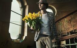 Hombre romántico Imagenes de archivo
