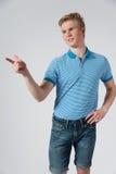 Hombre rubio joven en camisa azul Imagen de archivo libre de regalías