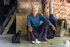 Hombre sano mayor de la tribu de Karen Imagen de archivo libre de regalías