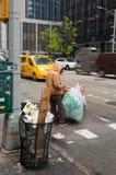 Hombre sin hogar en Nueva York Foto de archivo