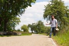 Hombre solo en un camino Fotografía de archivo libre de regalías