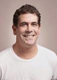 Hombre sonriente Imagen de archivo libre de regalías