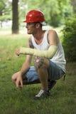 Hombre tatuado en yeso Imagenes de archivo