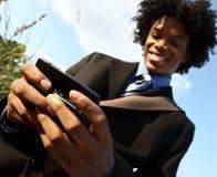 Hombre texting Foto de archivo libre de regalías