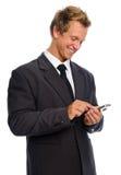 Hombre texting feliz imagenes de archivo