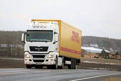 HOMBRE TGX 18 Semi camión 480 con los accesorios de la iluminación Imagen de archivo libre de regalías