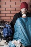 Hombre triste que vive en la calle imágenes de archivo libres de regalías
