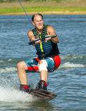 Hombre Wakeboarding Imagenes de archivo