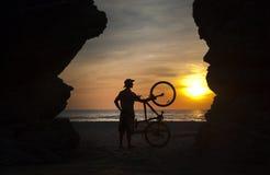 Hombre y bici Fotografía de archivo