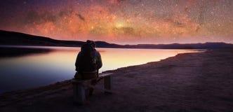 Hombre y cielo manny de las estrellas Fotos de archivo libres de regalías