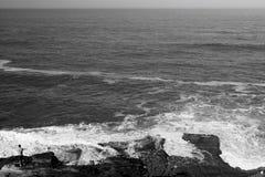 Hombre y el mar Imagen de archivo libre de regalías