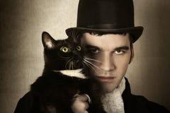 Hombre y gato
